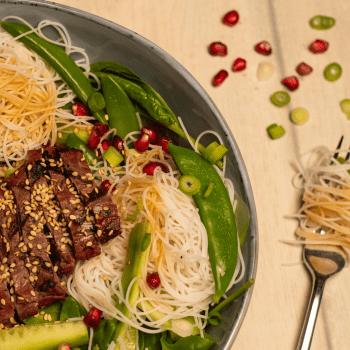 Salade met ossenhaas(puntjes) op Japanse wijze